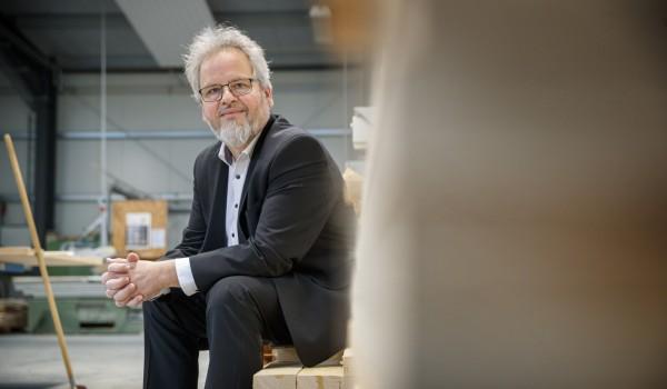 Seit 25 Jahren leitet Wolfgang Sartorius als geschäftsführender Vorstand die Erlacher Höhe.