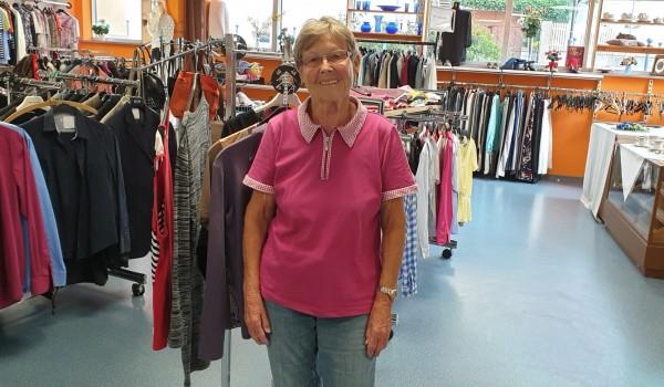 Pauline Martini unterstützt die Erlacher Höhe schon seit 20 Jahren ehrenamtlich im Sozialkaufhaus Kreuzermarkt.