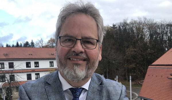 Erlacher Höhe Vorstand Wolfgang Sartorius bittet dieses Jahr um Spenden für die Beschaffung von Corona-Schutzausrüstung.