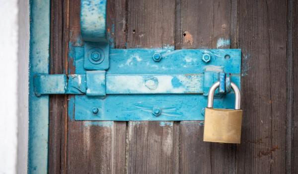 Armen Menschen bleiben viele Türen verschlossen (Symbolbild).