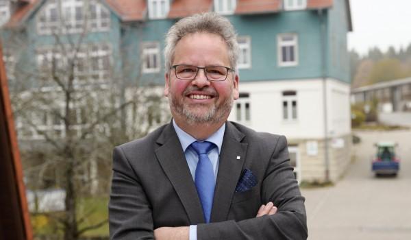 """Wolfgang Sartorius: """"Ein Gebot der Menschlichkeit, mit Flüchtlingen respektvoll umzugehen."""""""