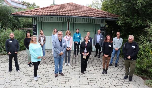 Auftaktveranstaltung in Tübingen: Zehn Mitarbeitende des Diakonieverbunds werden zu Mentorinnen und Mentoren für das Förderprojekt BeNeFit qualifiziert.